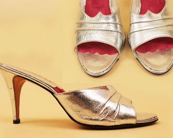 70s 80s Vtg SILVER Metallic Slingback Kitten Heel Genuine Leather Sandals / Slip On Mule GLAM Pin Up Rockabilly Vixen rare sz 11 N Eu 42 43