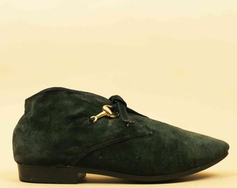 80s 90s Vtg Green Suede Leather HORSE-BIT Gucci Style Ankle Boot / Tie Front EQUESTRIAN Pixie Mod Pointed Toe Bootie Flats 7 6.5 Eu 37.5 37