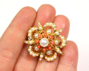 Small Gold Tone Coral Starburst  Flower Brooch - Vintage Faux Pearl