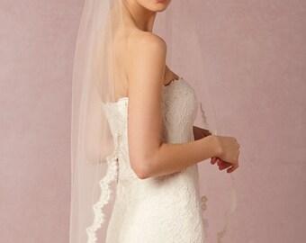 Ivory Lace Fingertip Veil, Lace Wedding Veil, Fingertip Wedding Veil, Alencon Lace Veil Fingertip, Fingertip Veil - Scallop Lace Bridal Veil