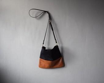 Leather canvas crossbody bag - FLOTTA - Adjustable leather cross body strap, zip option,  day shoulder bag travel bag by Holm