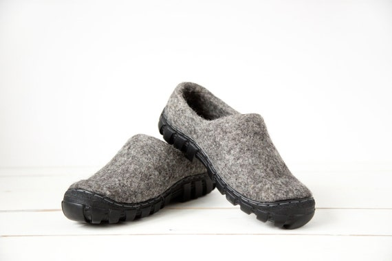 wool boots for in grey wool with rugged soles handmade