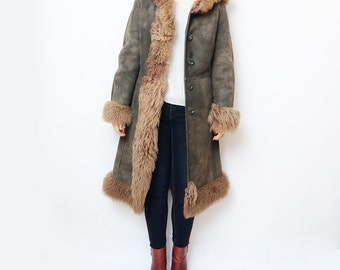 Vintage grey leather 70s winter coat with faux fur