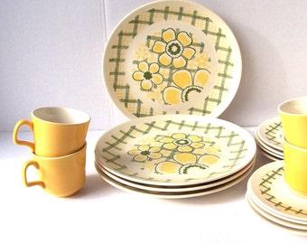 Mid Century Yellow Daisy Dish Plate Dinnerware Set