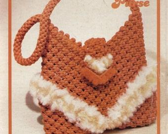 Fluffit Purse--Knot Craft Publications--Macrame