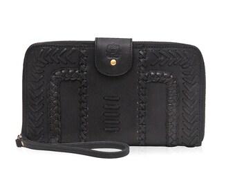 AMULET. Black leather wallet / black wallet / black leather clutch / leather zipper clutch / wristlet. Available in different leather color.