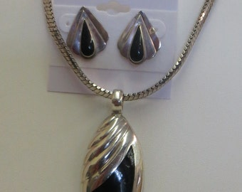 Vintage Sterling Silver Chain Necklace Large Onyx Pendant & Pierced Onyx Earrings 50g