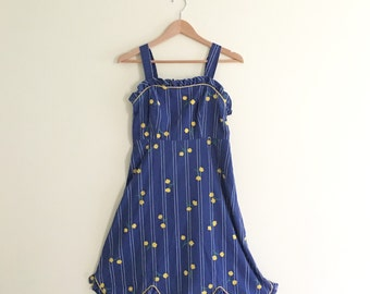 Vintage Tulip Print Sundress // Yellow & Blue Scallopped Dress // Novelty Print Dress // 70s