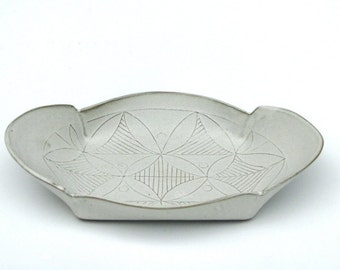 White Ceramic Tray, White  leaf pattern tray, Ceramic Appetizer Plate, Decorative Serving platter, Modern Serving tray, valentine's day gift