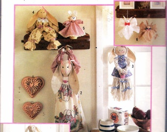 1991 Simplicity 7253 Bunny Bazaar Items, Draftstopper, Hand Towel, Mop Bunny, Rag Bunny, Air Freshener Cover, Ornament Sewing Pattern UNCUT
