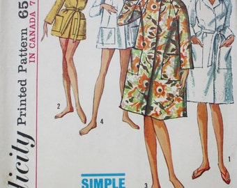 Swim Cover up Robe in Two Lengths Sewing Pattern Simplicity 5965 Bust 31-32  1960s