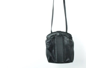 Vintage 80s Black Leather Purse w/ Velvet Lining