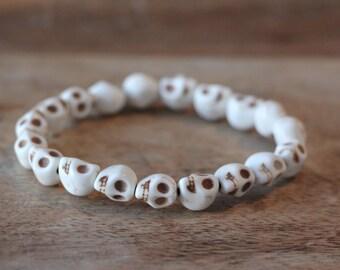 White Skull Stone Bead Man Bracelet - Stretch Beaded Bracelet For Men With White Skull Stone Beads