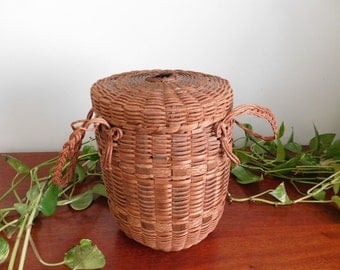 Antique Lidded Yarn Basket with Handles and Fastener and Hole for Yarn on Lid Woven Folk Art