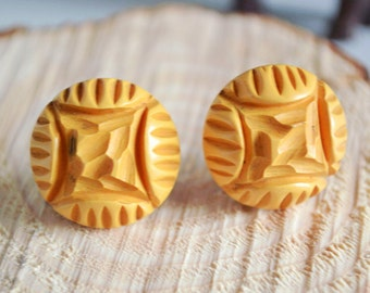 Vintage Mustard Yellow Hand Carved Screw-Back Clip-On Earrings