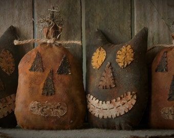 Primitive Grungy Halloween Pumpkin and Black Cat Bowl Fillers/Tucks
