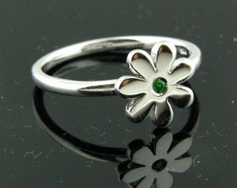 Tsavorite and Sterling Silver Ring Size 7 Flower Shape