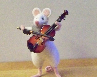 French attic mouse...Persille.