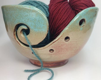 Knitting Bowl, Ceramic Yarn Bowl, Green Crochet Bowl, Yarn Holder, Gifts for Knitters, Clay Yarn Organizer, Pottery Yarn Bowl, MADE TO ORDER