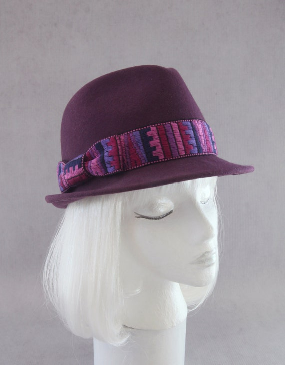 Paul smith women's mauve wool wide-brimmed fedora hat with a dark navy grosgrain ribbon band. Handmade in england exclusively for paul smith by christy's, this felted wool hat features a dark navy grosgrain ribbon with purple trim and purple satin gehedoruqigimate.ml: $