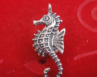 925 sterling silver oxidized sea horse charm, silver sea horse, seahorse