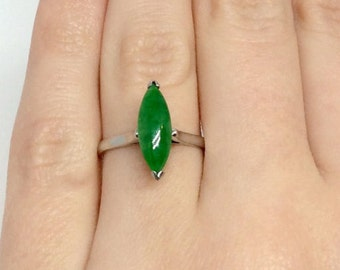 18K White Gold Jade Ring