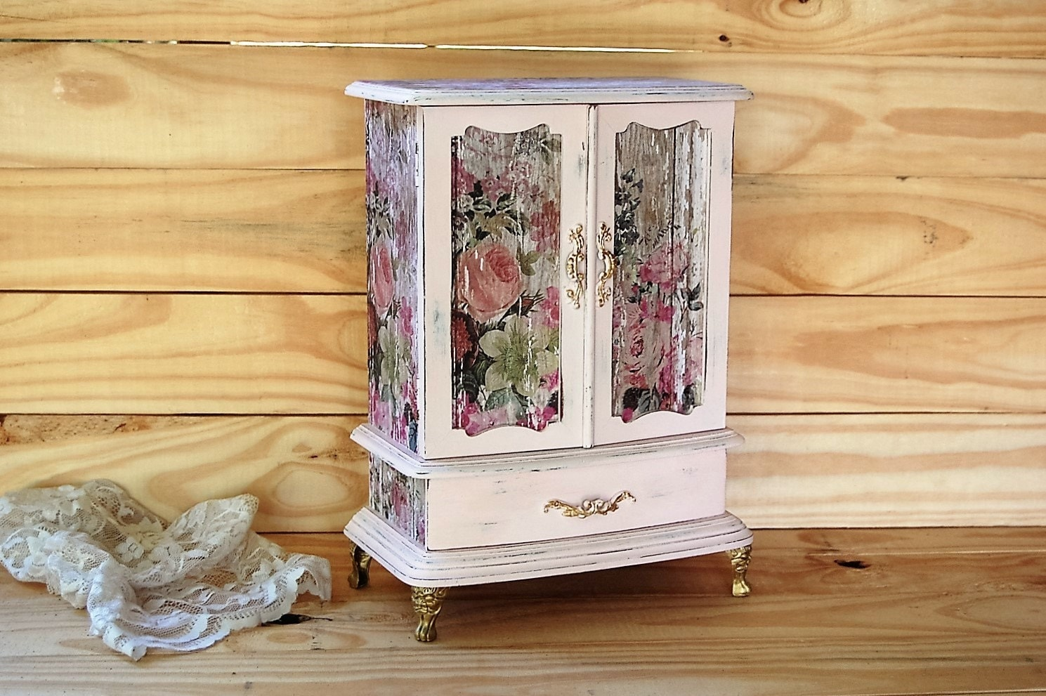 jewelry armoire shabby chic jewelry box by thevintageartistry. Black Bedroom Furniture Sets. Home Design Ideas