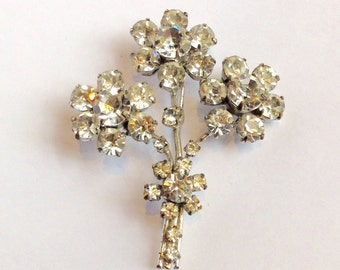 Beautiful Flower Posy Vintage Brooch
