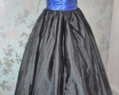 Designer vintage 1980s long black metalic ballgown prom halloween party dress