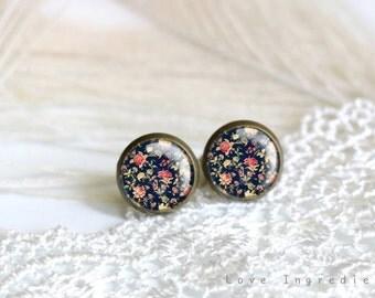 Vintage floral stud earrings, gold silver vintage tiny stud earring everyday jewelry Post earrings, free gift box,,Modern Minimalist, PF006