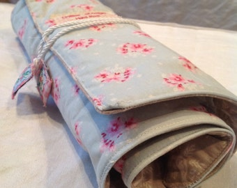 Upholstered cutlery holder, made with fabrics Tilda
