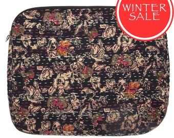 WINTER SALE - Laptop Sleeve 7 - Small Black Flower Pattern