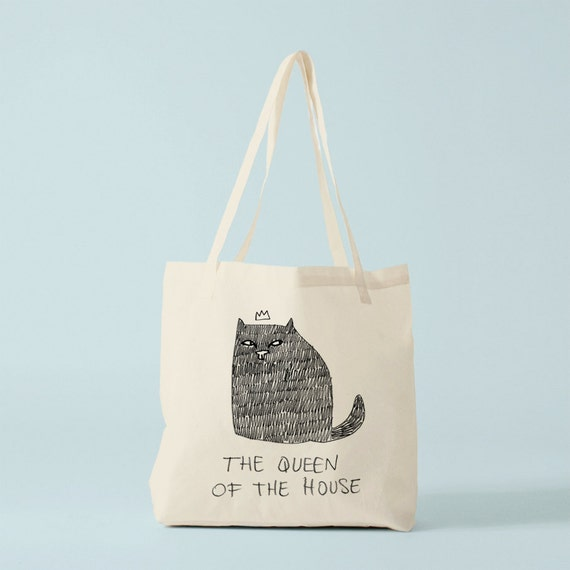 Tote Bag Cat, The Queen Of The House, funny quote cat, humour cat.