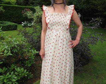 Vintage 1970s Floral Prairie Country Maxi Dress with Elasticated Bust and Ruffled Shoulders Medium