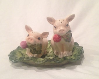 Fitz and Floyd French Market pig salt and pepper shakers