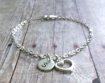 Personalized Women's Initial Bracelet / Custom Gift for Mom, Wife, Sister / Sterling Silver Heart Charm Bracelet