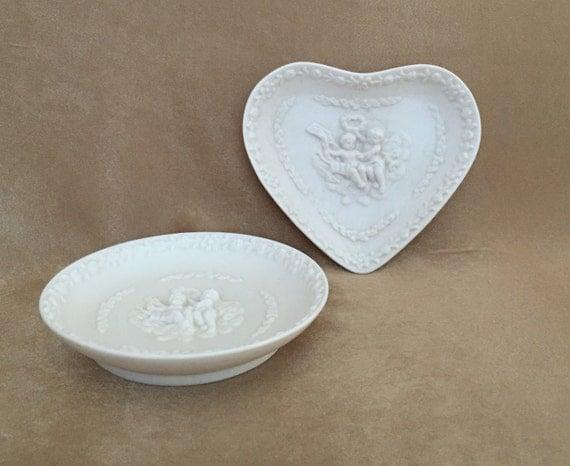 Cherub trinket dish heart shaped cherub vintage cherub for Heart shaped jewelry dish