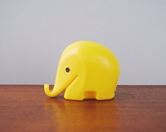 1960s Size S 1st Generation Design DRUMBO Elephant Savings Box with key * matt yellow * small * Dresdner Bank * Luigi Colani