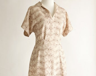 1950s vintage dress - 50s brown embroidered floral day dress - size medium/large