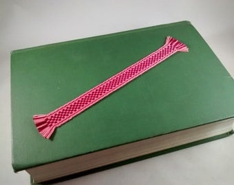 Handwoven bookmark with check pattern, inkle band, thread bookmark, pink and crimson