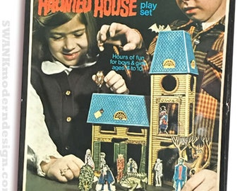 Groovy Little Creepies Haunted House Playset, Addams Family, Halloween