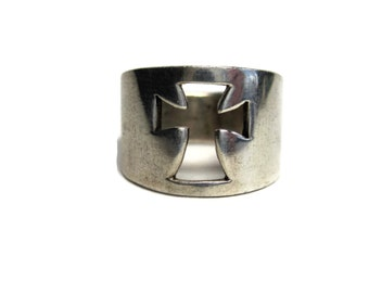 Vintage Sterling Wide Crosslet Cut Out Cross Ring Size 4