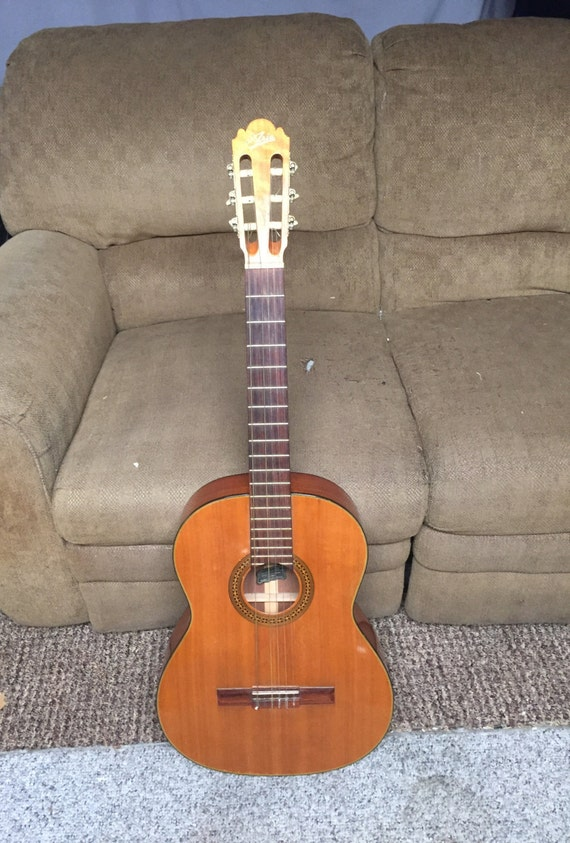 Vintage Aria Classical 6 String Acoustic Guitar Right Handed