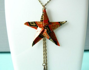 origami star orange, Golden and black necklace