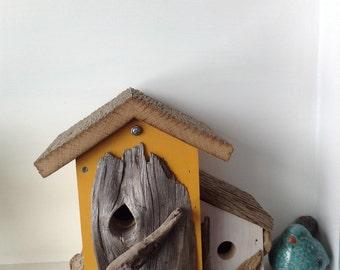 Rustic Birdhouse - Primitive Bird house - Garden Decor - Country Birdhouse - Barn Wood - Home Decor Birdhouse - Hand Painted Birdhouse