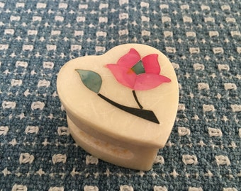 Heart Shaped Inlay Alabaster Trinket Box, Pink Inlay Flower on Cover, Pierced Filigree sides, Heart Box, Alabaster Box, Hand Carved India