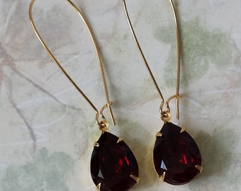 Garnet Crystal Drop Earrings Garnet Red Crystal Earrings Swarovski Gold Drop Earrings Garnet Earrings Red and Gold Drop Earrings