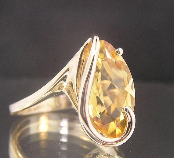 Clyde Duneier K Gold Ring
