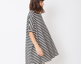 Black & white dress, oversize dress, oversize tunic, A-line dress, striped dress, loose dress, casual dress