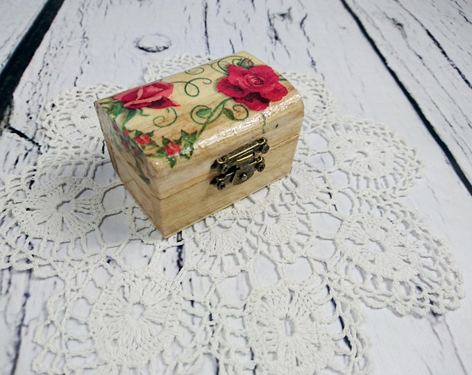 Small proposal ring box red rose engagement Wedding pillow rustic woodland natural shabby chic brown cream tiny cute romantic